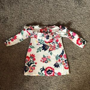 🎄Crazy8 white with bright floral print 18/24month